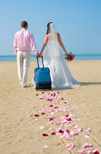wedding-terminology-honeymoon